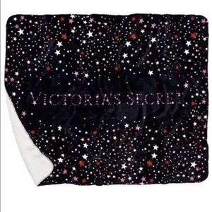 NWT Victoria's Secret Sherpa Blanket with Stars